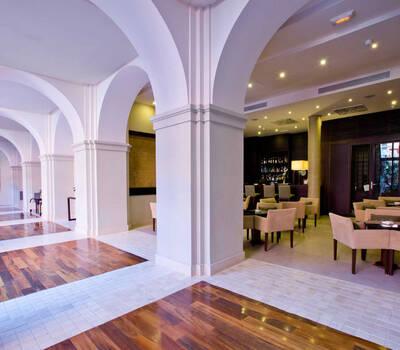 Hotel Intur