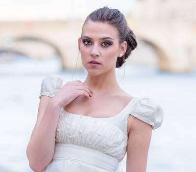 Beaumenay Joannet Paris -robe de mariée Joséphine, soie et broderie perle