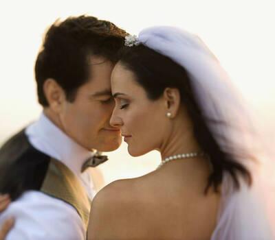 Beispiel: Brautpaar, Foto: Fotolia.
