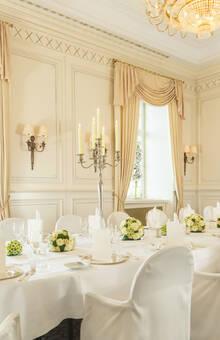 Beispiel: Hochzeitstafel, Foto: Althoff Grandhotel Schloss Bensberg.