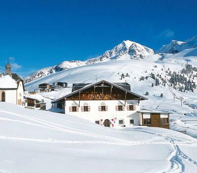 Beispiel: Jagdschloss im Schnee, Foto: Jagdschloss Kühtai.