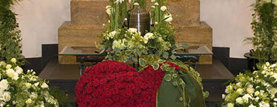 Beispiel: Florale Kunst für Ihre Trauung, Foto: Himmel und Erde.