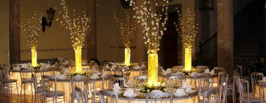 Su boda con nextmotiv_montaje y decoración_noche_arreglos con luz
