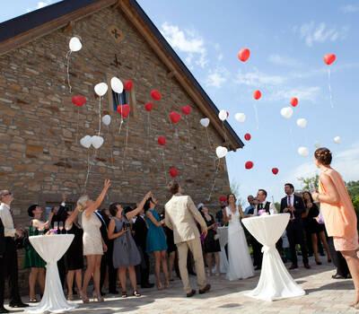 Beispiel: Hochzeitsgesellschaft, Foto: Hotel Freihof.
