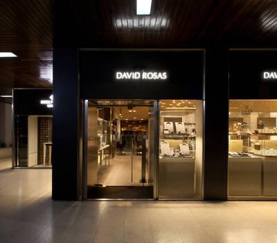 David Rosas - Av. da Boavista, 1471  I 4100-131 Porto I Tel: +351 226 061 060 | www.davidrosas.com