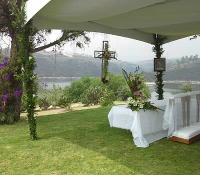 Altar en jardín