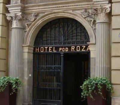 Hotel Pod Różami