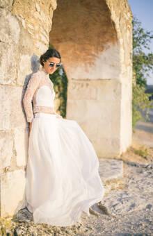 Robe de mariée en soie : top Chloé et jupe Esteve