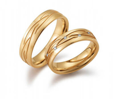 Beispiel: Eheringe Rotgold, Foto: Juwelier Zapp.