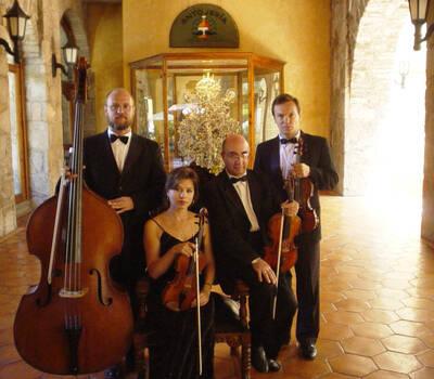 Cuarteto durante un evento en la Mision San Gil, San Juan del Rio, Queretaro