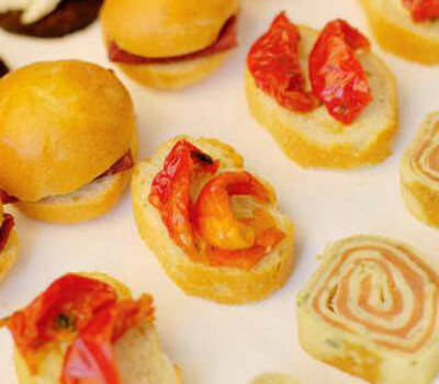 Beispiel: Häppchen für Ihren Stehempfang, Foto: Best Catering.com.