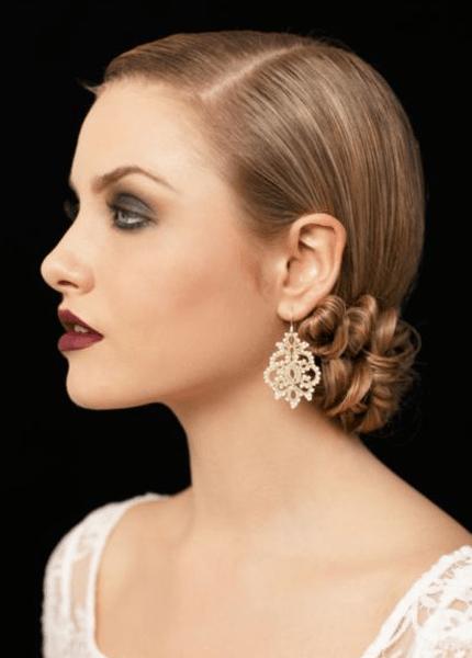 Klassische Hochzeitsfrisuren für die Braut