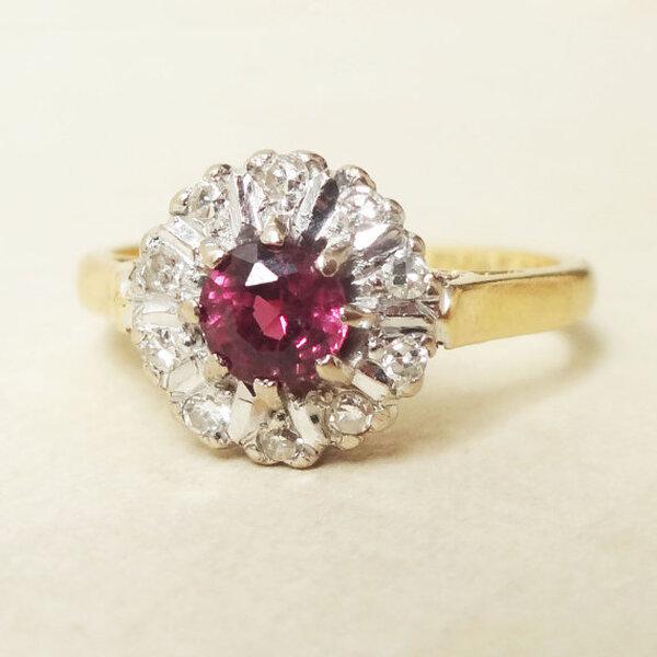 Diseñe su propio anillo de compromiso: elija una