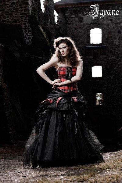 Extravagante Brautkleider von Lucardis Feist