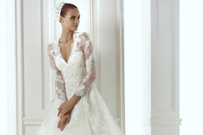Brautkleid der Kollektion Pronovias 2015.