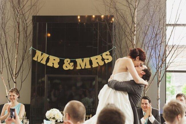 Real Wedding: La ecuación perfecta de estilo en dorado y menta - Foto Melanie Rebane Photography