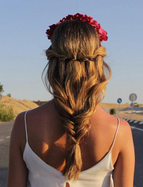 Trenza Valentino, Marieta Hairstyle.