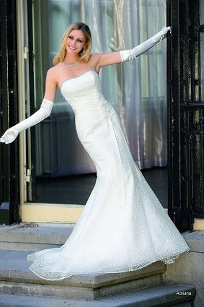 Suknia ślubna z kolekcji Affinity Bridal 2013, model: Adriana