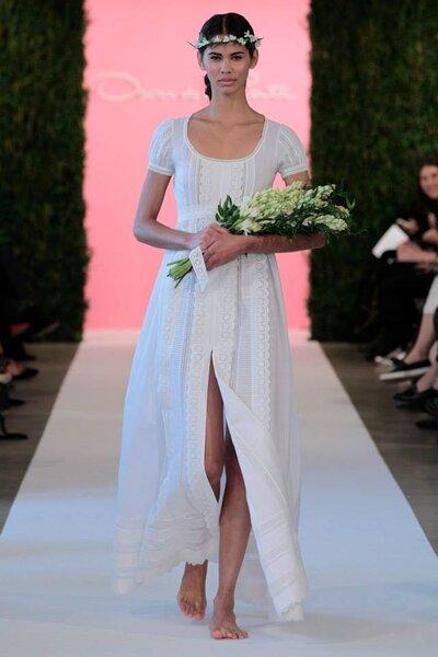 Photo: Oscar de la Renta Spring 2015 - New York Bridal Week