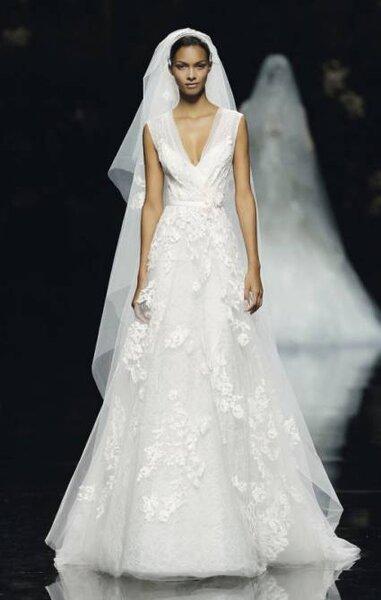 Brautkleider 2013 von Pronovias