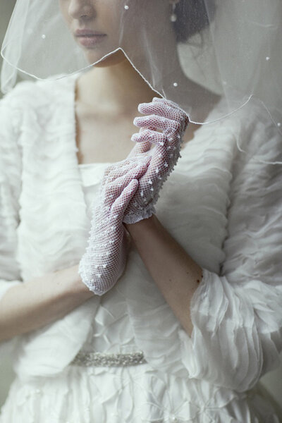 Luva para noivas. Foto: Ruche Bridal