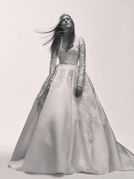 Elie Saab lanza su primera colección para novias