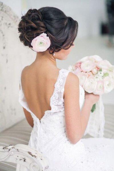 Coiffure de mariée cheveux relevés