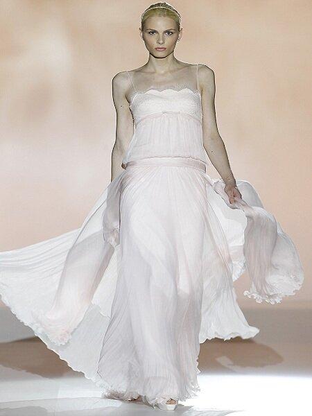 Suknia ślubna z kolekcji Rosa Clara 2013