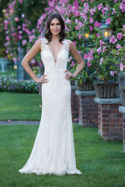 Style 3913, Sincerity Bridal.