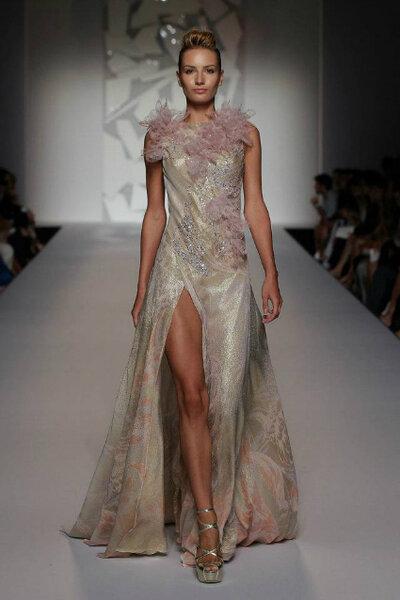 Pompöse Brautkleider von Abed Mahfouz