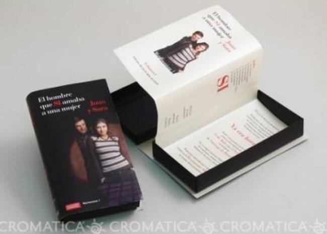 Inviti a forma di libro. Foto:  Organiza Regalos