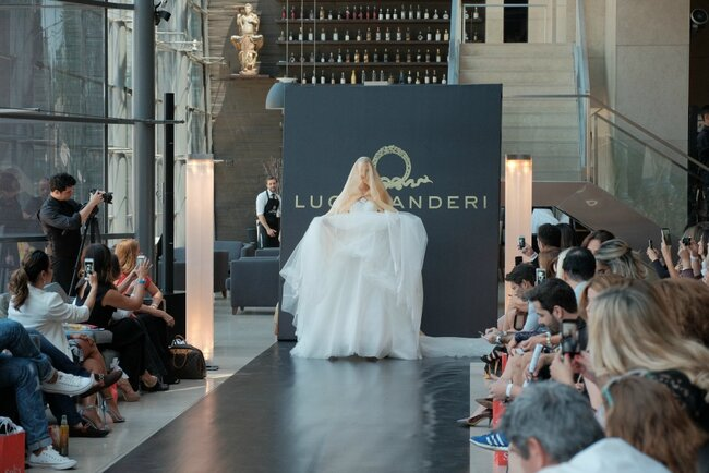 Desfile vestidos de noiva Lucas Anderi. Foto: Namour Filho