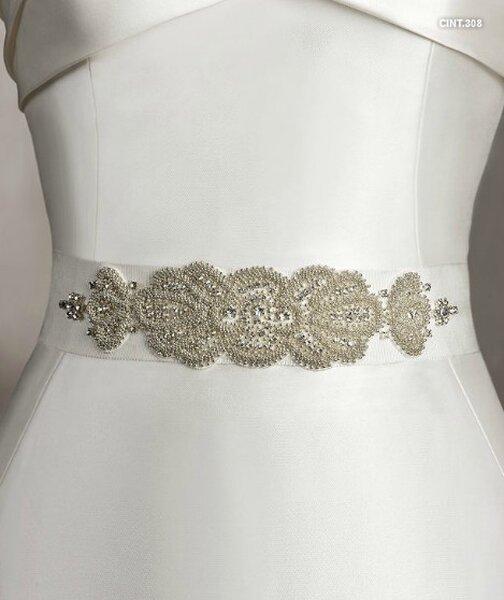 Cintura per abito da sposa San Patrick. Foto: www.sanpatrick.com