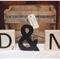 Decoración de boda con divertidas letras - Foto Meredith Lord Photography