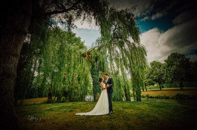 Cérémonie au bord de l'eau dans un lieu enchanteur en Mayenne pour le mariage de Yann et Noémie