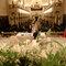 Fotografía de boda religiosa con perspectiva desde el altar