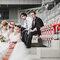 Sesja ślubna na boisku