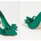 """Verde brillante per queste """"Ravesh"""". Foto via stevemadden.com"""