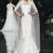 Vestidos de novia 2013 con mangas confeccionadas con encaje, corte sirena y falda amplia, acompañado con velo estilo catedral