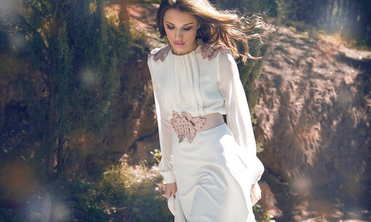 Sweet and sensual: Immaculate hair & makeup styles for spring brides