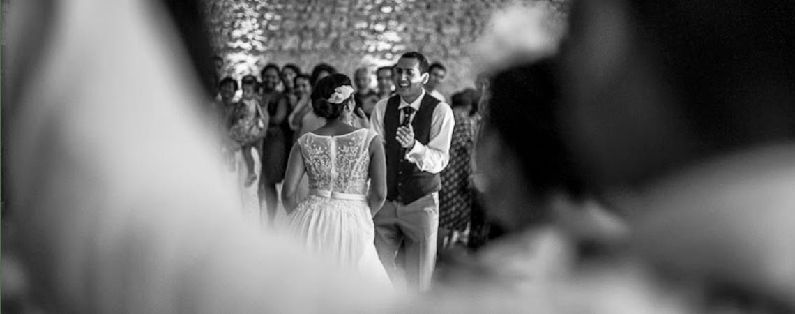 Des invités qui dansent et une ambiance de folie à votre mariage grâce à Key des Artistes
