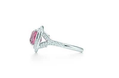 Anillos de compromiso 2013 con diamantes color rosa