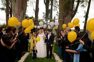 Jaune et blanc comme couleurs de mariage : romantique et lumineux