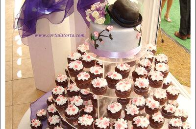 Originales tortas de novios de cupcakes