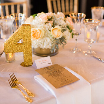 Table numbers: Chic details for stylish wedding tables