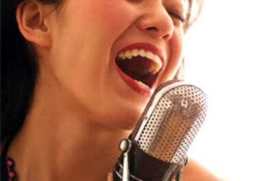 Despedida de soltera en un karaoke