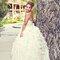 36. Nayeli presumiendo el increíble vestido de novia que eligió para su boda