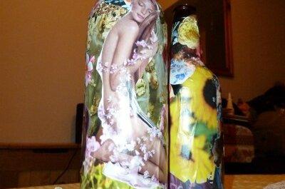 DIY Table Centrepieces – Floral Bottles