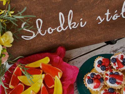 Jak przygotować słodki stół na wesele? Wygląda obłędnie!