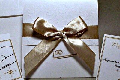 Elegantes invitaciones de boda doradas